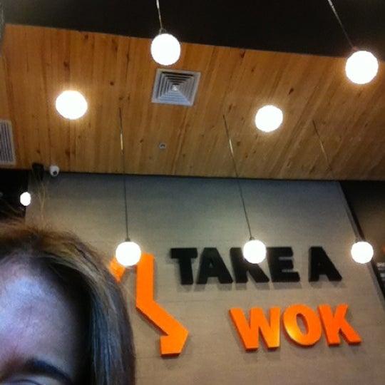 10/20/2012にClaudia M.がTake a Wokで撮った写真