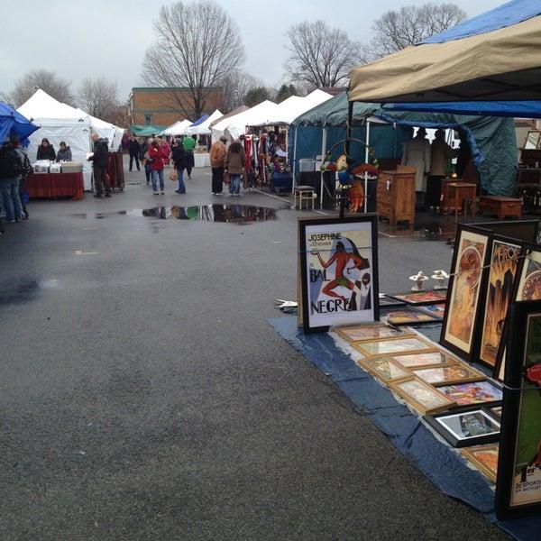 Photo prise au The Flea Market at Eastern Market par Larry F. le12/29/2012