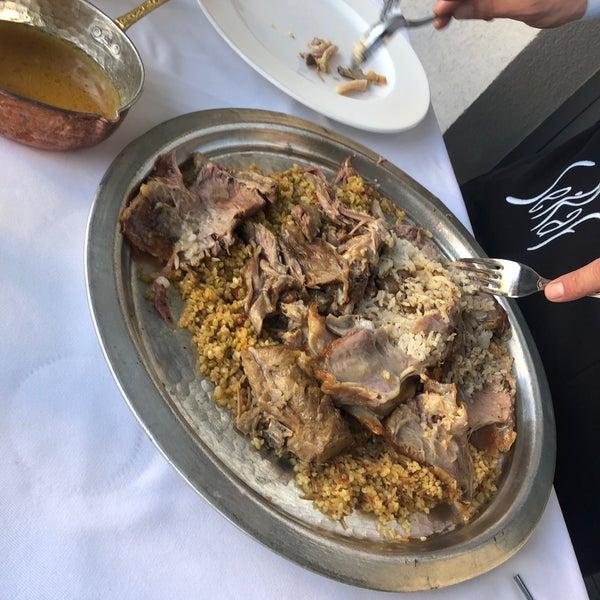 Foto tirada no(a) Seraf Restaurant por Ahmad A. em 4/30/2019