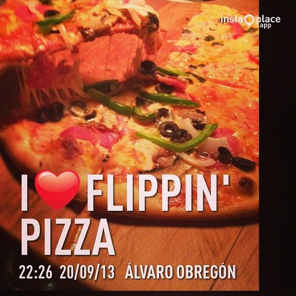 9/21/2013 tarihinde Jorge C.ziyaretçi tarafından Flippin' Pizza'de çekilen fotoğraf