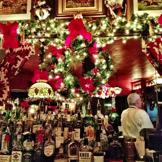 Foto tomada en Martin's Tavern por Laura J. el 11/28/2012