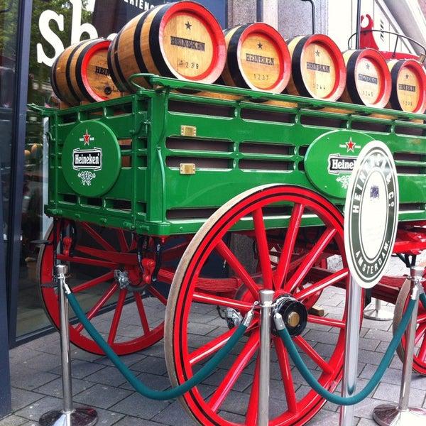 2/14/2013 tarihinde Bruna M.ziyaretçi tarafından Heineken Experience'de çekilen fotoğraf