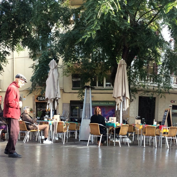 Good coffee and food with a nice, sunny outdoor area.