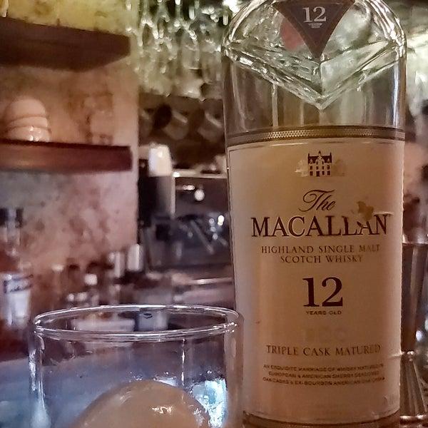 Photo taken at EL BARÓN - Café & Liquor Bar by Andres G. on 9/25/2019