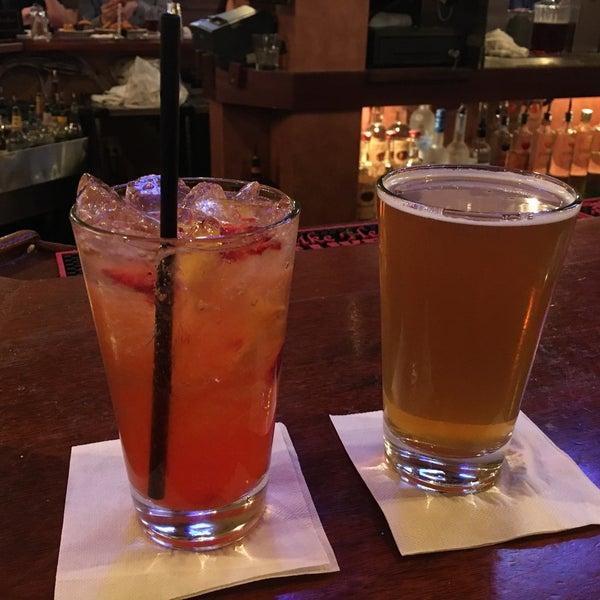 Foto diambil di San Jose Bar & Grill oleh Chapin A. pada 10/7/2017