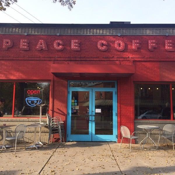 10/24/2014에 Kelsey S.님이 Peace Coffee Shop에서 찍은 사진