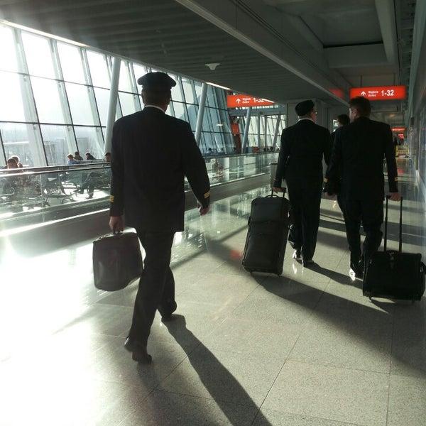6/13/2013에 viole m.님이 바르샤바 쇼팽 공항 (WAW)에서 찍은 사진