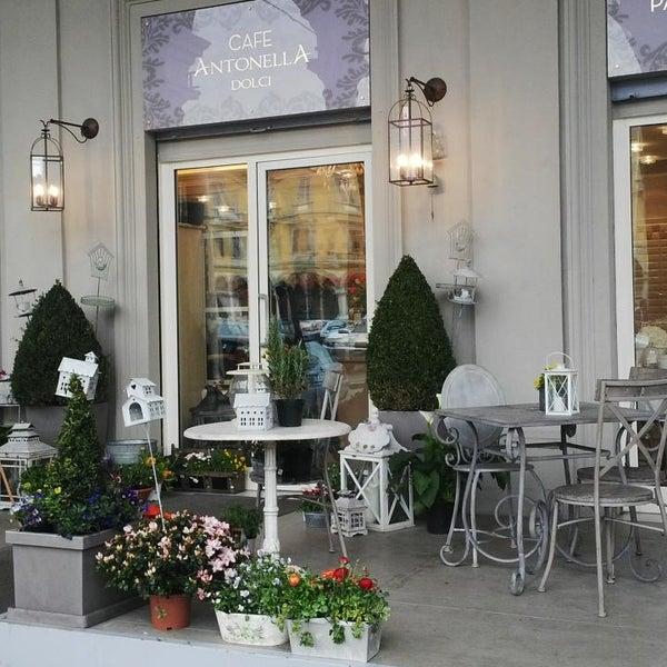 รูปภาพถ่ายที่ Antonella Dolci e Caffé โดย Gianluigi T. เมื่อ 4/9/2013