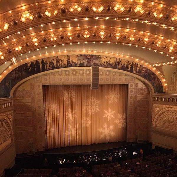 12/13/2014 tarihinde Ivan J.ziyaretçi tarafından Auditorium Theatre'de çekilen fotoğraf