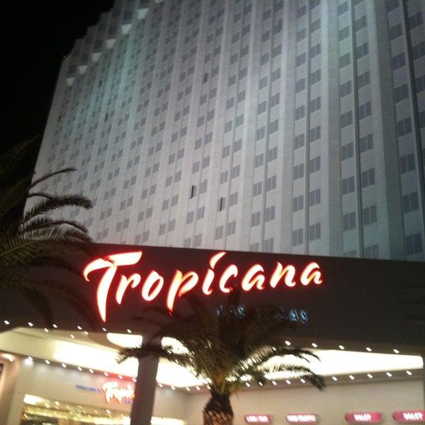 Снимок сделан в Tropicana Las Vegas пользователем Sabrina-Yukiko L. 12/23/2012