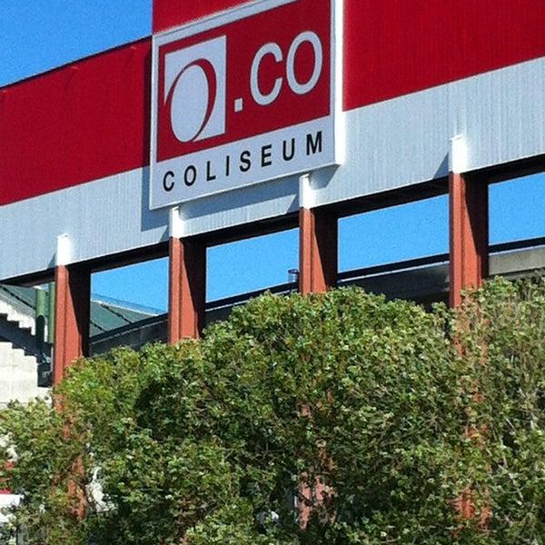 Photo prise au RingCentral Coliseum par Reggie C. le7/12/2013