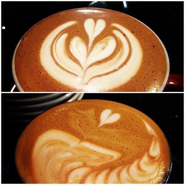 10/3/2013にLoan H.がFrogg Coffee Bar and Creperieで撮った写真