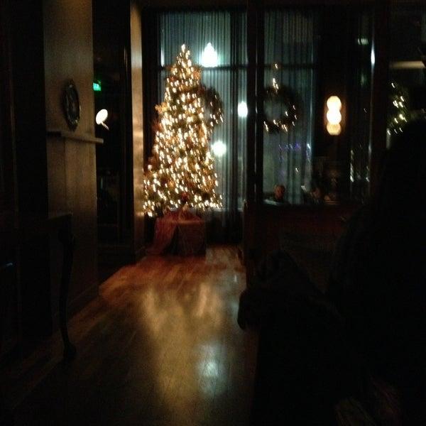 Das Foto wurde bei 1300 on Fillmore von Craig P. am 12/24/2012 aufgenommen