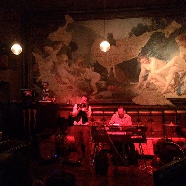 2/14/2014에 Yvette U.님이 Salvage Bar & Lounge에서 찍은 사진