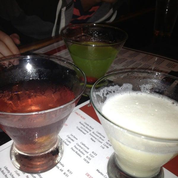 10/18/2013에 Elvyra M.님이 Red Sky Tapas & Bar에서 찍은 사진