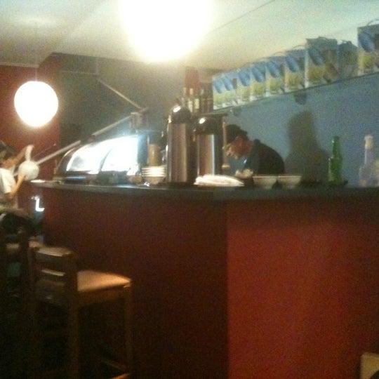 Foto tomada en Yatta Sushi por Celso C. el 10/17/2012