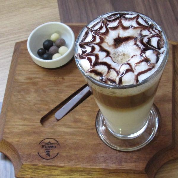 Photo prise au Coffee Castle par Coffee Castle le1/22/2016