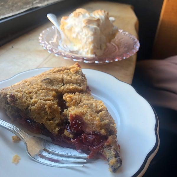 Foto tomada en Petee's Pie Company por Jonathan N. el 10/14/2019