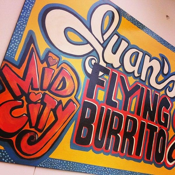 4/2/2013にkelly c.がJuan's Flying Burritoで撮った写真