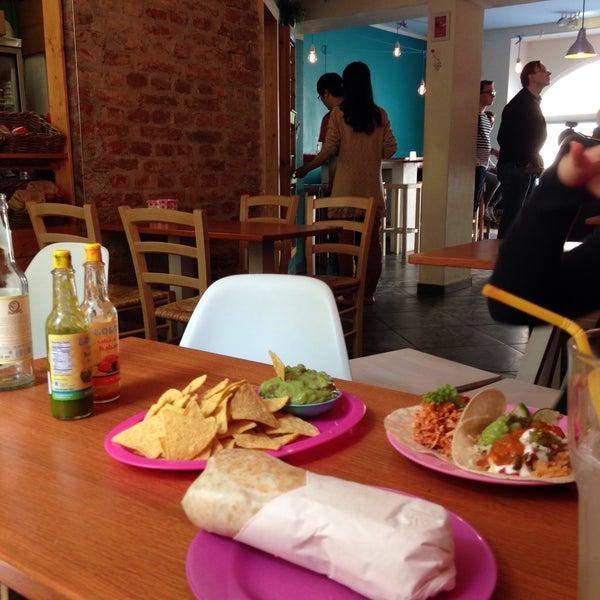 5/13/2015 tarihinde Oykuziyaretçi tarafından Condesa'de çekilen fotoğraf