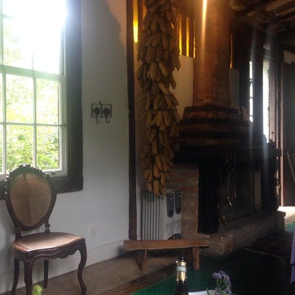 รูปภาพถ่ายที่ Ronco do Bugio Pouso e Gastronomia โดย Deborah L. เมื่อ 6/15/2014