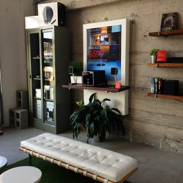 Das Foto wurde bei Elite Audio Coffee Bar von Sam B. am 1/18/2013 aufgenommen