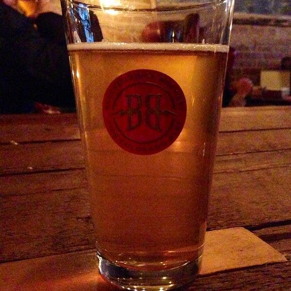 Das Foto wurde bei Alphabet City Beer Co. von Sam B. am 3/23/2013 aufgenommen