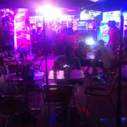 Foto diambil di Day Off Beach Bar oleh Walter B. pada 11/1/2012