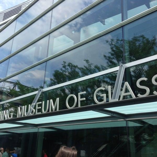 Photo prise au Corning Museum of Glass par ALMA T. le6/30/2013