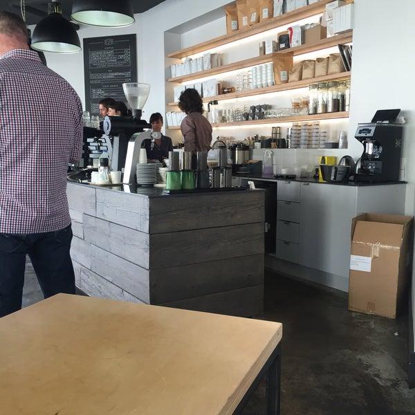 Foto tomada en Established Coffee por Ciaran T. el 6/5/2016