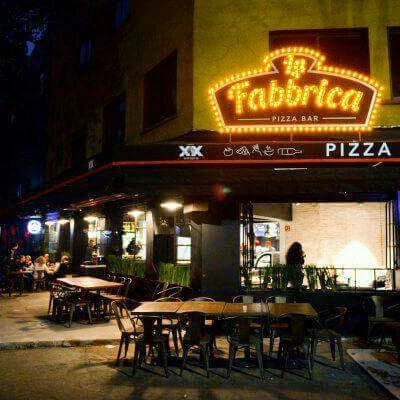 Foto tirada no(a) La Fabbrica -Pizza Bar- por Aless V. em 2/13/2016