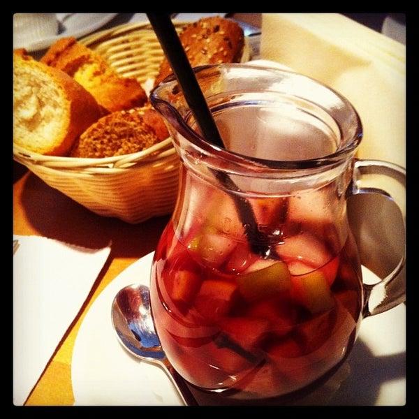 Photo prise au Le Bouchon Café par Margarita T. le2/9/2013