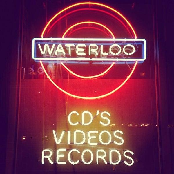 10/26/2013에 Hafizal Z.님이 Waterloo Records에서 찍은 사진