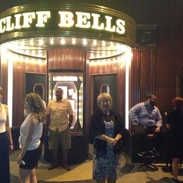 Photo prise au Cliff Bell's par Roger H. le6/30/2013