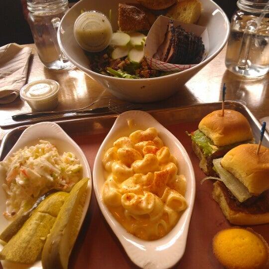 Photo prise au Butcher Bar par Jenny L. le11/1/2012