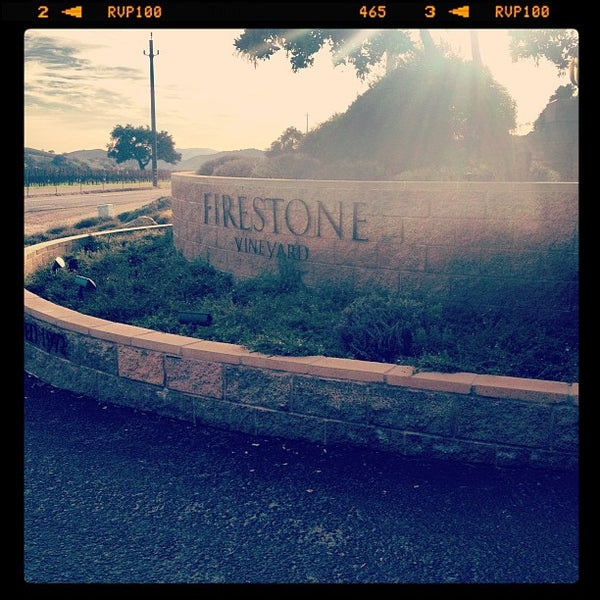 Foto scattata a Firestone Vineyard & Winery da Diego G. il 12/21/2012