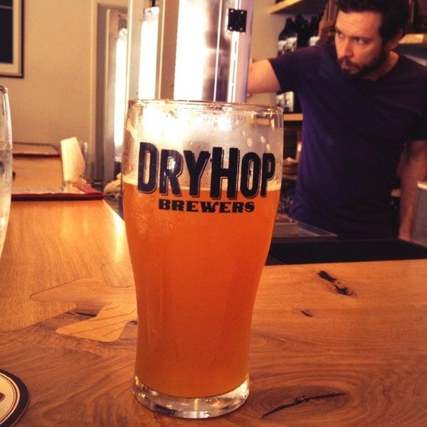 6/23/2013에 Andy G.님이 DryHop Brewers에서 찍은 사진