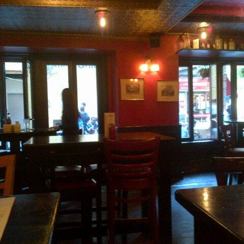 9/21/2012 tarihinde Anna S.ziyaretçi tarafından The Dubliner'de çekilen fotoğraf