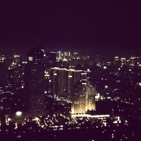 Foto diambil di SKYE oleh Steph P. pada 11/22/2012