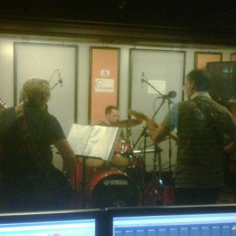 Foto diambil di Studio B Recording oleh Stefano B. pada 10/6/2012