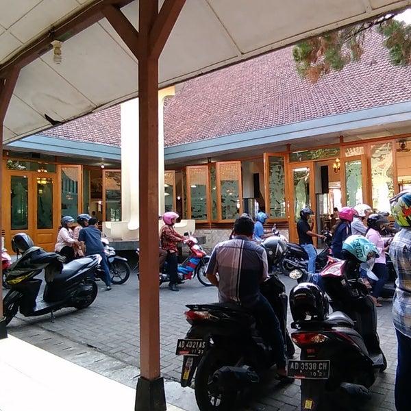Gereja S P Maria Regina Purbowardayan Jalan Ahmad Yani No 10