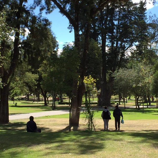 Foto diambil di Parque El Ejido oleh Tania C. pada 12/28/2015