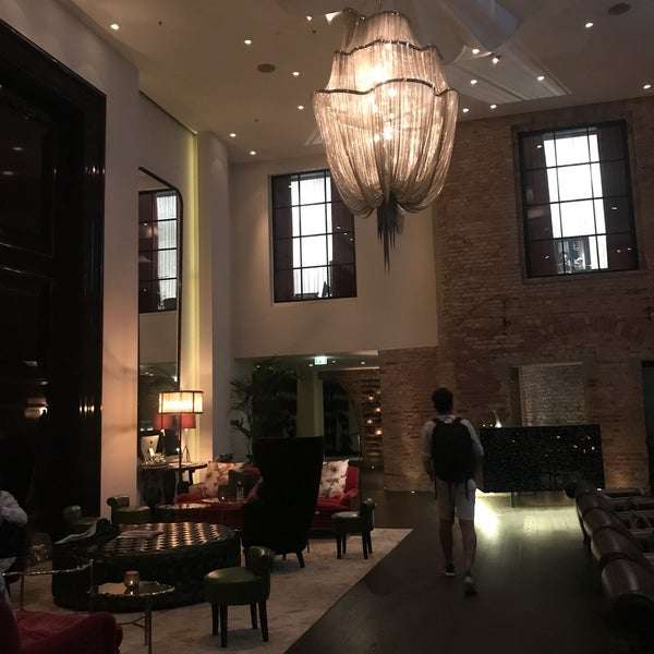 We loved it. Extremely comfortable. Very hip. Gorgeous finishes in all of the rooms. Lovely bar. Worth it to get your breakfast included in your room rate as thy have an extensive and healthy buffet.