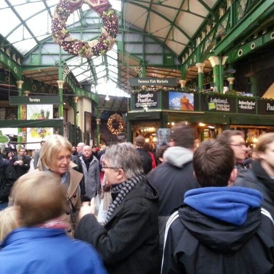 Foto tirada no(a) Borough Market por Ayu H. em 12/29/2012