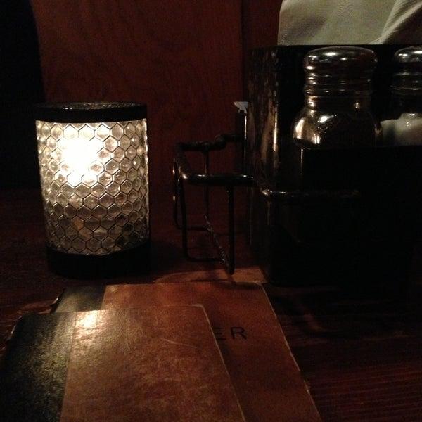 Foto tirada no(a) Mo's Restaurant por Jimmy M. em 4/15/2013