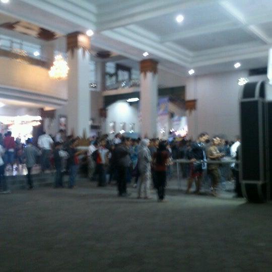 Das Foto wurde bei Jogja Expo Center (JEC) von Go'Beck A. am 10/1/2012 aufgenommen