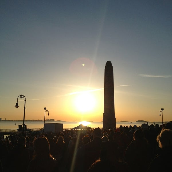 3/31/2013 tarihinde Jonathan P.ziyaretçi tarafından Castle Island'de çekilen fotoğraf