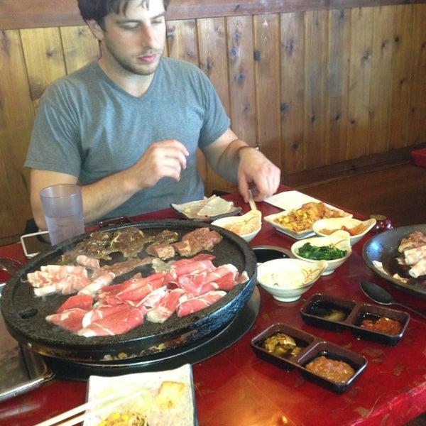 Foto scattata a Hae Jang Chon Korean BBQ Restaurant da Ilya Z. il 1/2/2013