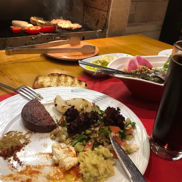 Das Foto wurde bei Pirzola Steak House von Aytaç B. am 11/11/2018 aufgenommen
