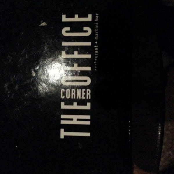 Foto diambil di The Corner Office Restaurant & Martini Bar oleh Brett M. pada 3/3/2013